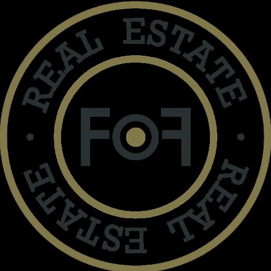 Real Estate logga